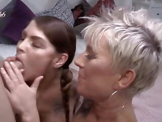 amateur pornhd blowjob fingering